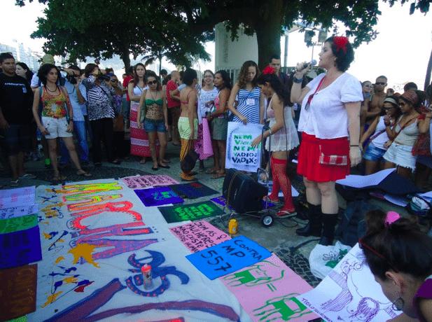 """La """"Marcha das Vadias"""" en Río de Janeiro: autonomía de cuerpos, autonomía de movimientos"""