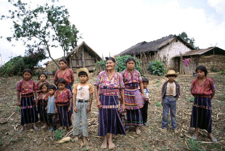 """Indígenas latinoamericanos: """"los más pobres de los pobres"""""""