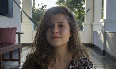 Caroline Rodrigues: la escritora que desconfía de la razón